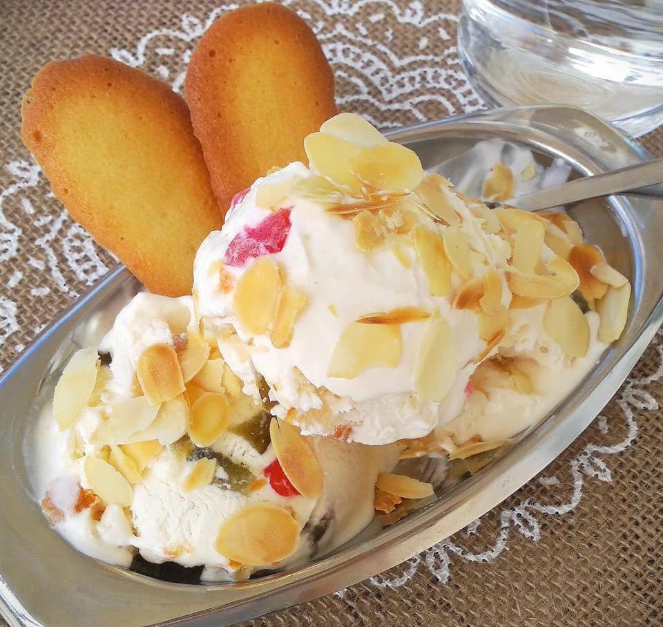 Παγωτό παρφέ κρέμα με διάφορα γλυκά του κουταλιού (φρουϊ γλασέ)