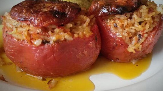 Παραδοσιακή συνταγή για γεμιστά ορφανά με ρύζι