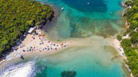 Μπέλα Βράκα: Επισκέψου την εξωτική παραλία της Ηπείρου φέτος το Καλοκαίρι
