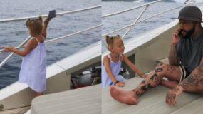 Βίντεο δείχνει κoριτσάκι να πετά το κινητό του μπαμπά της στη θάλασσα γιατί δεν της δίνει σημασία!