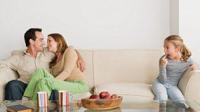 Ο σύντροφός μου έχει παιδί από τον πρώτο του γάμο & το παιδί δεν με αποδέχεται! Αναγνώστρια ζητάει την συμβουλή μας