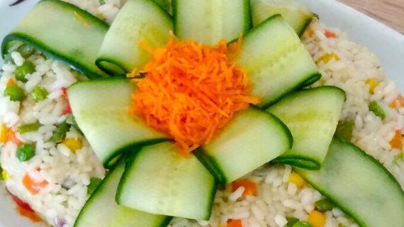 Συνταγή για ρύζι με λαχανικά ιδανικό για μπουφέ