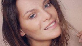 «Ο υπνάκος της γοργόνας»: Η Μπόσνιακ φωτογραφίζει την κόρη της και το instagram λιώνει! (εικόνα)