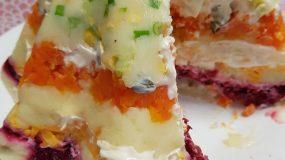 Σαλάτα τούρτα με βραστά λαχανικά ιδανική για μπουφέ