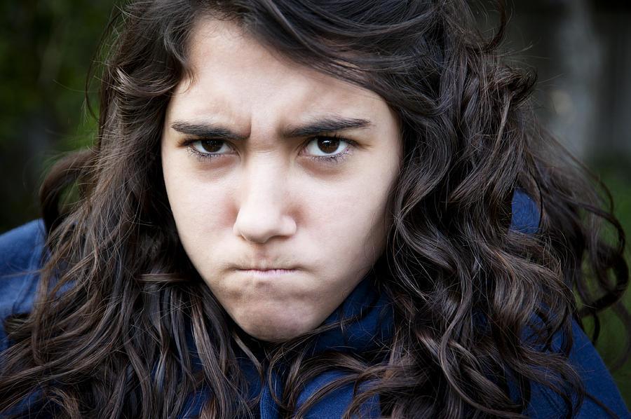 Γιατί αντιδρά έτσι το έφηβο παιδί μου; Εξηγήσεις στα πιο συνήθη ξεσπάσματα