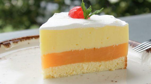 Καλοκαιρινή τούρτα με κρέμα ζαχαροπλαστικής και φρουτένια γεύση