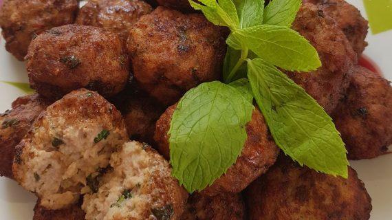 Παραδοσιακή συνταγή για αφράτα κεφτεδάκια με ούζο