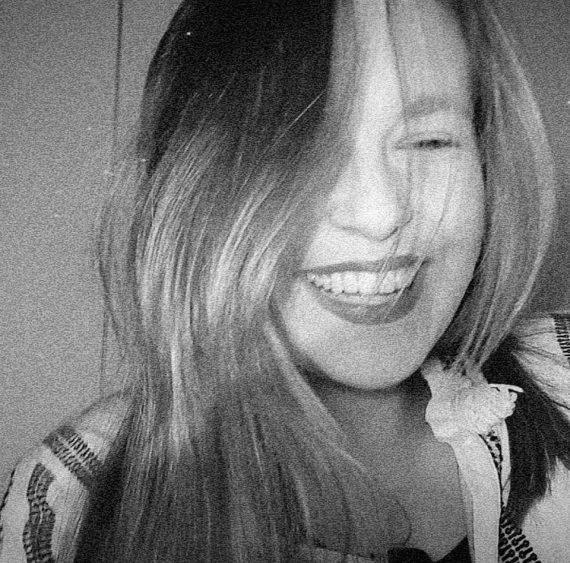 Η 18χρονη κόρη του Απόστολου Γκλέτσου είναι ένας ξανθός άγγελος! Ανεπιτήδευτη ομορφιά (εικόνες)