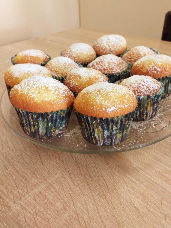 Warm Milk cakes: Τα αφράτα και μαλακά cupcakes  που θα σας ξετρελάνουν