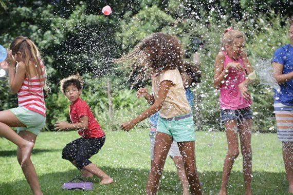 Καλοκαίρι: Εκεί που οι μεγάλοι βλέπουν αφόρητη ζέστη & κορονοϊό, τα παιδιά βλέπουν θάλασσα, ήλιο & παγωτά!