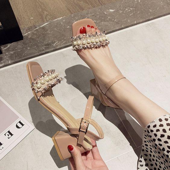 Γυναικεία square toe shoes: Τα παπούτσια που θα φορεθούν όλο το 2020! Δες σχέδια για όλες τις εποχές!