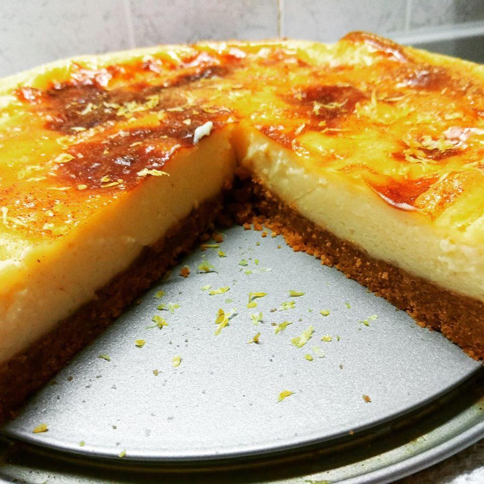 Συνταγή για Γαλατόπιτα με μπισκοτενια βάση σαν cheesecake
