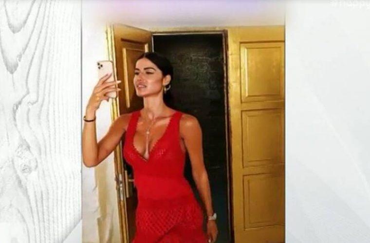 Ξεκαρδιστική γκάφα: Η Ιωάννα Μπέλλα τραβούσε βίντεο κι έπεσε πάνω στη τζαμαρία! (vid)