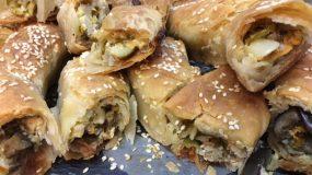 Λαχταριστή πίτα λαχανικών σε ρολάκια με φέτα & διάφορα τυριά