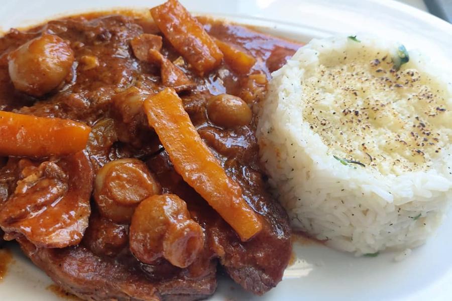 Συνταγή για Μπεφ Μπουργκινιόν με μοσχάρι - Beef Bourguignon