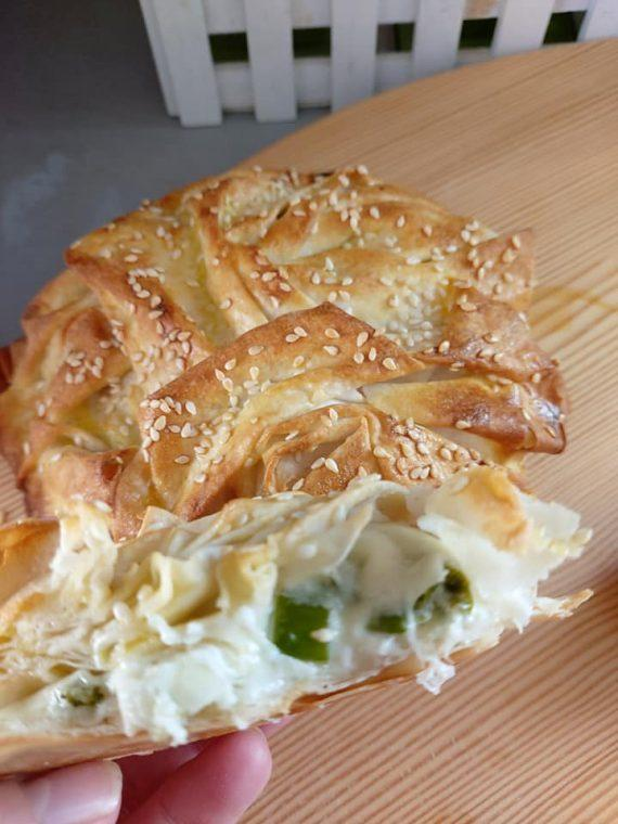 Μπουρεκάκια με λαχανικά και τυριά και τραγανό χειροποίητο φύλλο