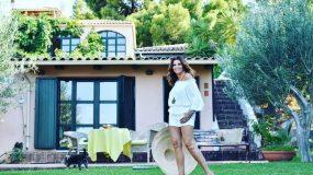 Το εξοχικό της Μιμής Ντενίση στον Θεολόγο θα το λατρέψεις: Με τεράστια καταπράσινη αυλή και πισίνα! (εικόνες)