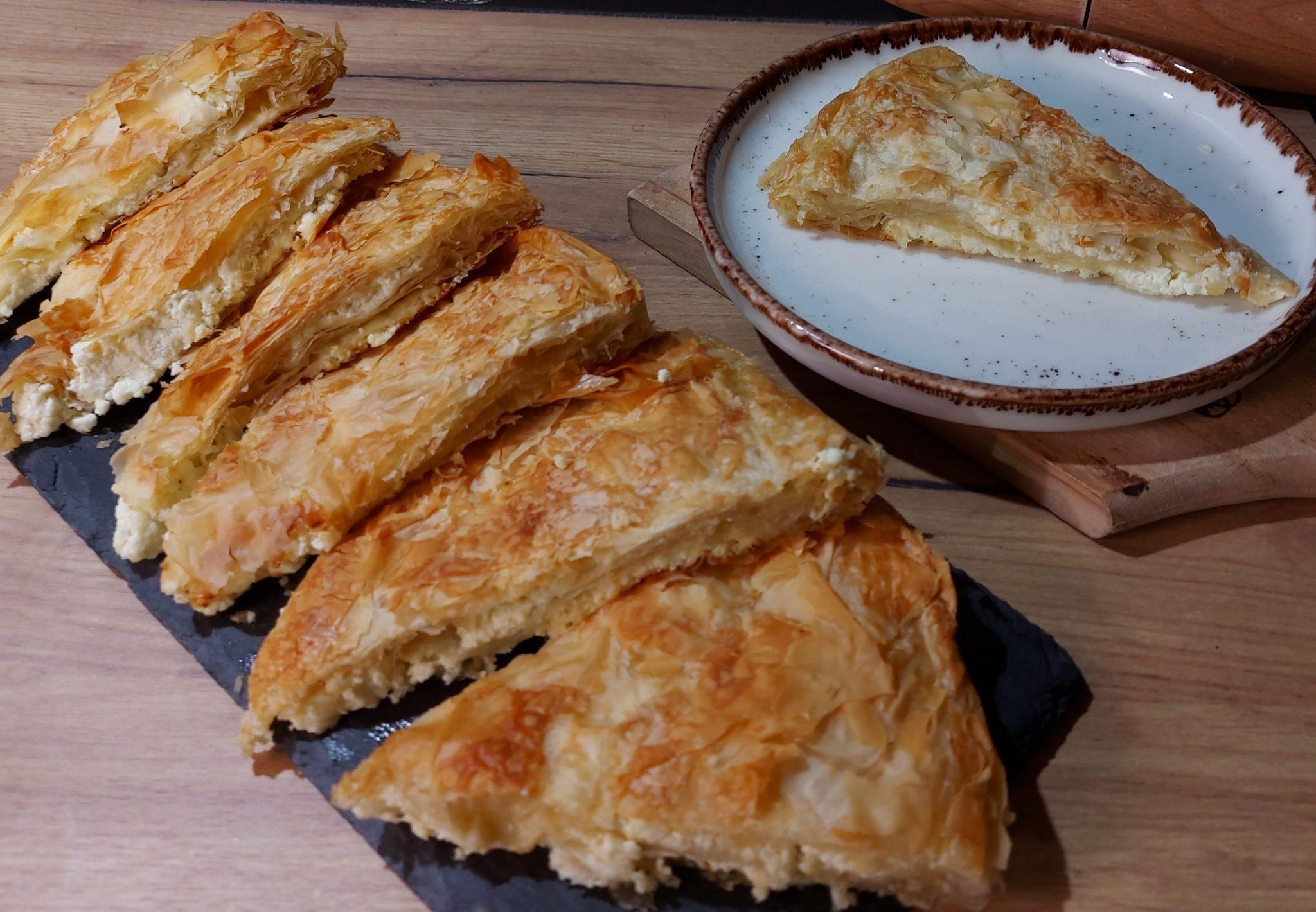 Τυρόπιτα με φύλλο κρούστας, σόδα & τυρί κρέμα. Ότι πιο λαχταριστό έχετε δοκιμάσει