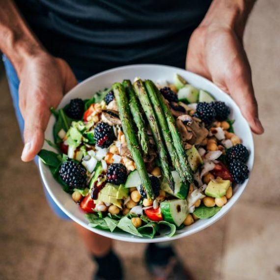 Δίαιτα Πέγκαν: Ένας εύκολος τρόπος να χάσετε τα παραπάνω κιλά κατά τη διάρκεια των διακοπών!