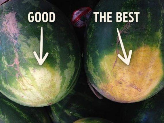 """Το """"θηλυκό"""" καρπούζι είναι πιο νόστιμο από το """"αρσενικό""""- Τα 4 tips για να διαλέξεις το σωστό"""