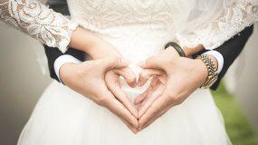 Έγινε του κουτρούλη ο γάμος: Τα έσπασε όλα η πεθερά «Εμείς πληρώσαμε το νυφικό σου» (βίντεο)