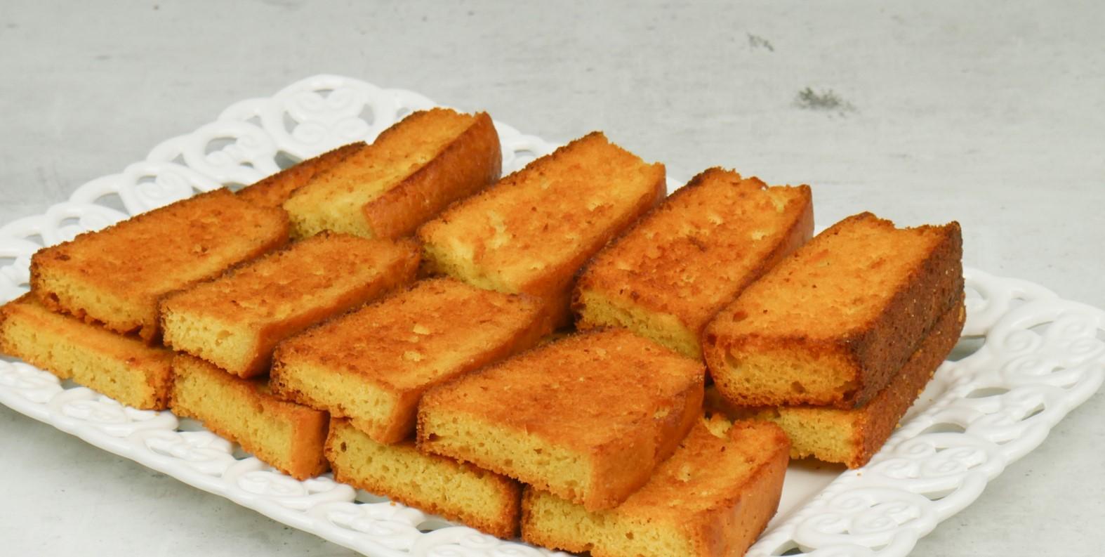 φρυγανισμένο κέικ