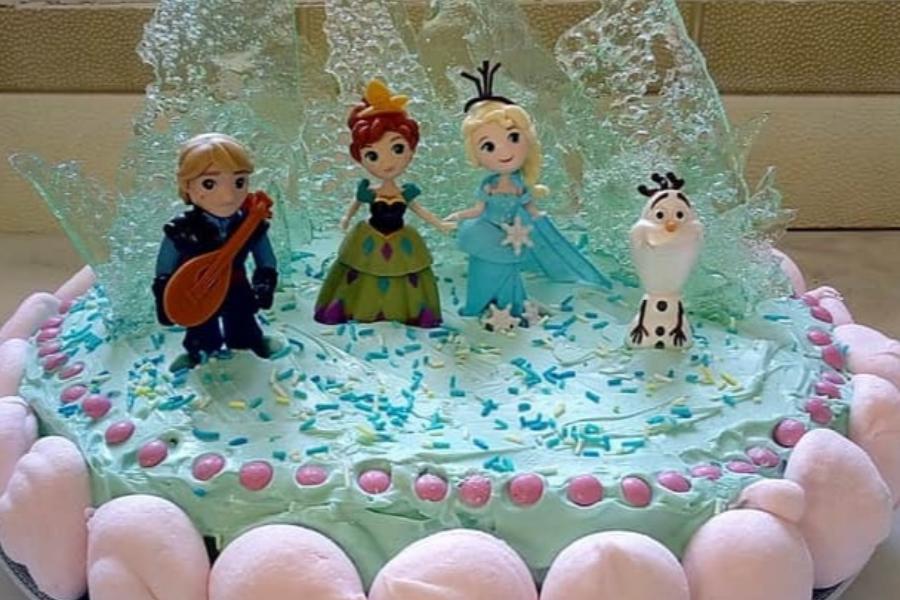 Υπέροχη τούρτα Frozen για το παιδικό πάρτυ!