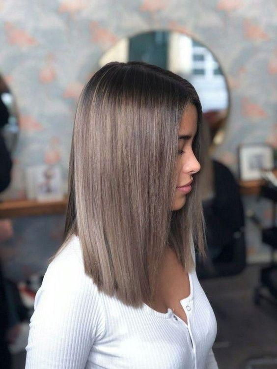 Το Light Ash Blonde είναι η τάση για το Φθινόπωρο & τον Χειμώνα του 2020!