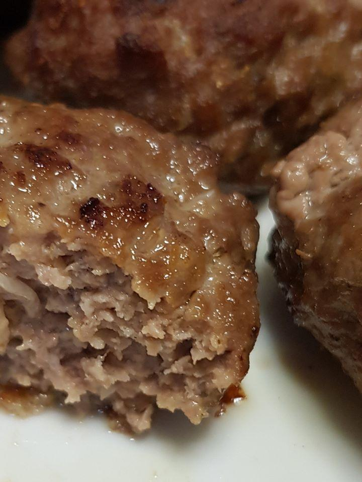 Ζουμερά μπιφτέκια με σιμιγδάλι στο τηγάνι - Καλύτερα από τα αγοραστά