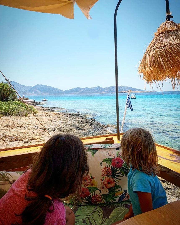 Κρατερός Κατσούλης :Διακοπάρει με τα παιδιά του στα Κουφονήσια [pic]
