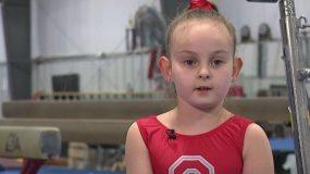 Απίστευτο: Οκτάχρονη δίχως πόδια διαγωνίζεται στην ενόργανη και δίνει ένα πολύτιμο μάθημα