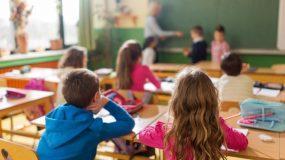 Με μάσκες   μαθητές και καθηγητές  υποχρεωτικα στο άνοιγμα των σχολείων