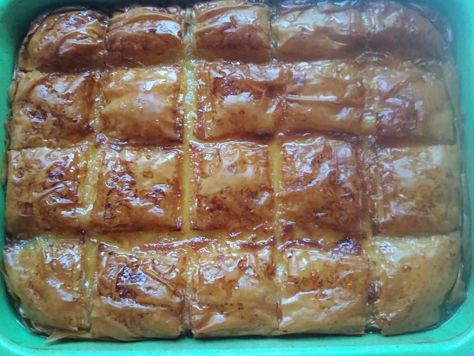 λαχταριστό γαλακτομπούρεκο με υπέροχη βελούδινη κρέμα
