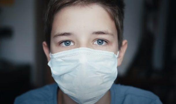 """Άνοιγμα σχολείων: Παιδίατρος ξεσπά """"Δεν έχει γίνει κατάλληλη προετοιμασία για ασφαλές άνοιγμα σχολείων"""""""