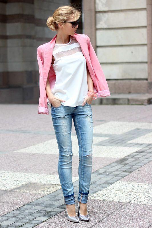 τζιν με ροζ σακάκι