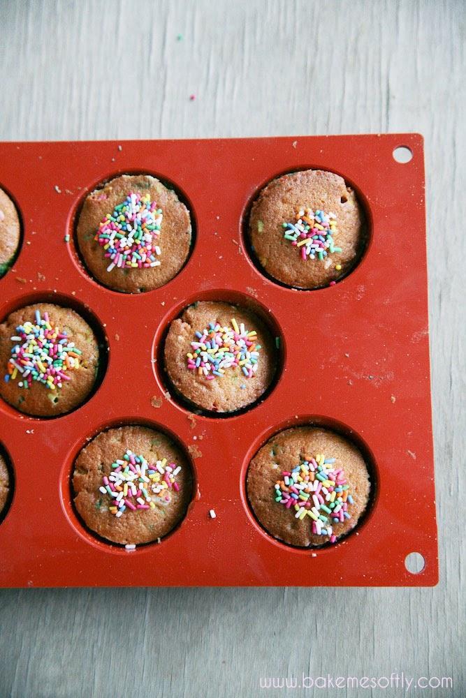 Funfetti Cupcakes: Τα πιο χρωματιστά & παιχνιδιάρικα cupcakes για το παιδικό party!