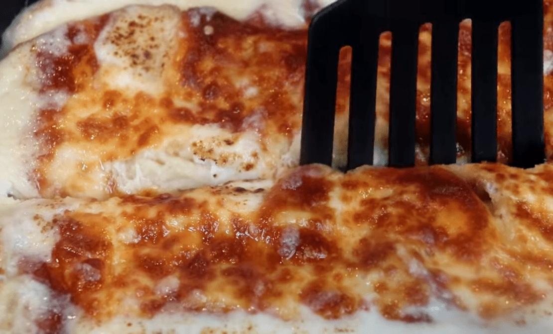 Υπέροχο σουφλέ με ψωμί  & άλλα 3 υλικά! Λιώνει στο στόμα