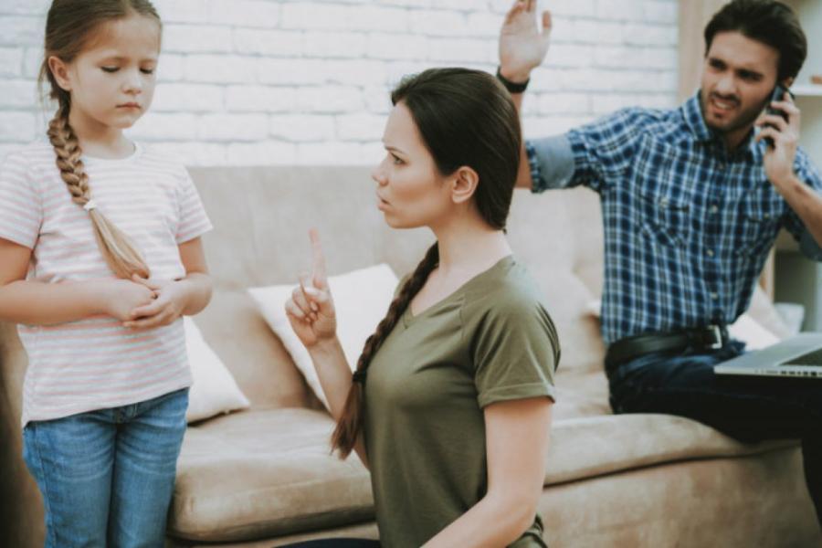 Για ποιον λόγο όμως οι γονείς έχουν ξεσπάσματα θυμού; Τι κρύβεται πίσω από τις εκρήξεις θυμού των γονιών;
