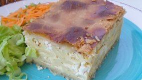 Χωριάτικη πίτα με μακαρόνια & μπόλικο τυρί!