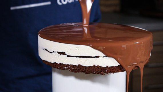 Υπέροχη τούρτα σοκοφρέτα: Αυτή η συνταγή δεν κυκλοφορεί πουθενά αλλού στο διαδίκτυο!