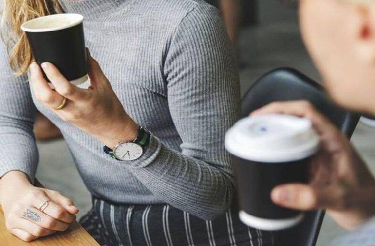 Αλλαγές στο take away σε καφέ και φαγητό: «Χαράτσι» αν δεν φέρεις το δικό σου ποτήρι ή τάπερ!