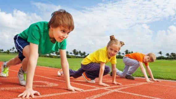 Κορωνοϊός: Παιδίατρος απαντά στους γονείς αν πρέπει να γράψουν τα παιδιά τους σε αθλητικές δραστηριότητες