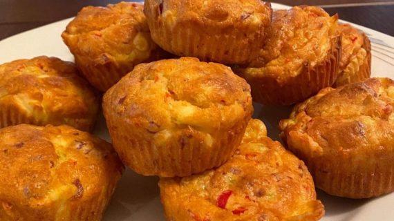 Back to school: Αλμυρά μάφινς με γιαούρτι, τυρί και αλλαντικά