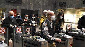 Έρχονται νέα μετρά στην Αττική - Μάσκες παντού