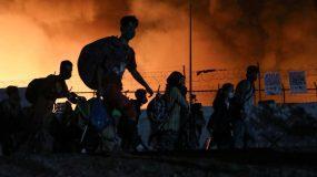 Μόρια : Σε έκτακτη κατάσταση η Λέσβος – Μεταφέρονται ΜΑΤ στο νησί -φόβοι για νεκρούς (pics, video)