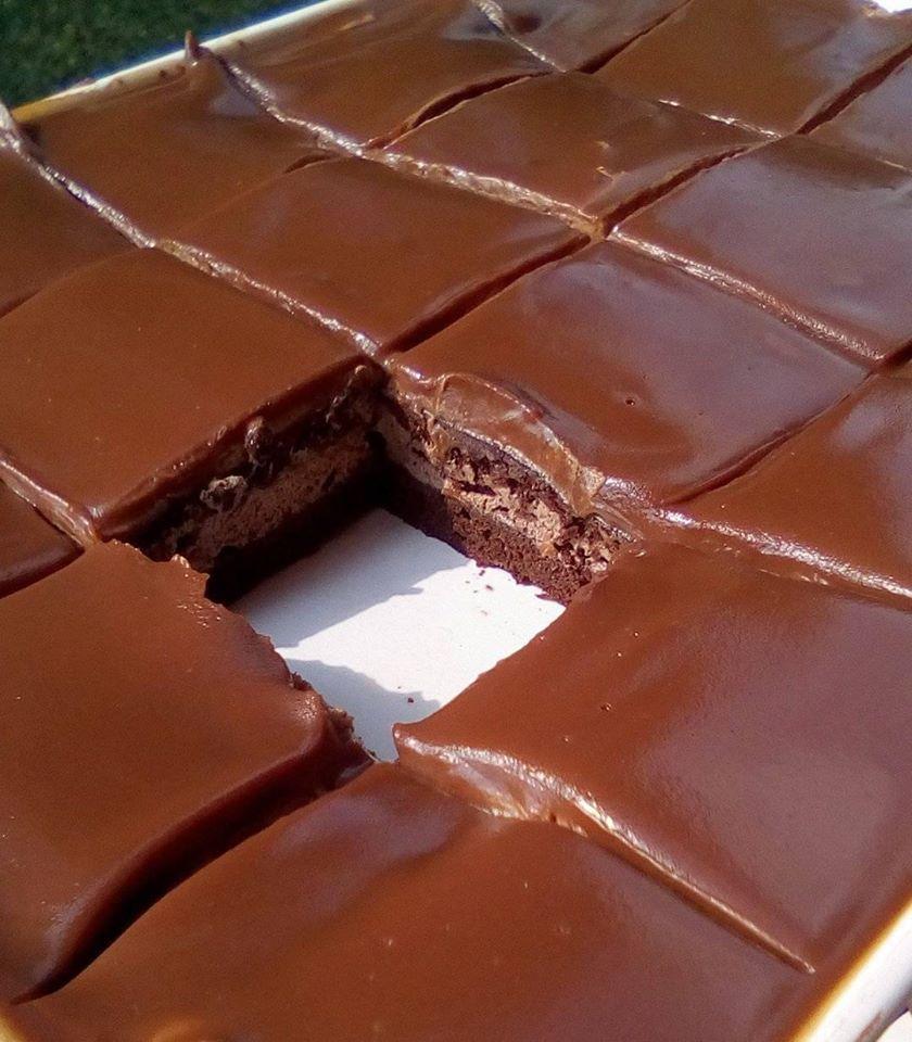 Σοκολατένιο γλυκό ψυγείου με ζαχαρούχο και γλάσο! Σκέτος πειρασμός