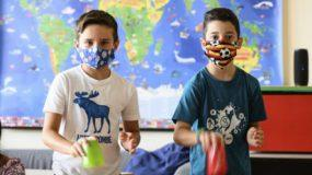 Back to school: Αυτός είναι ο σωστός τρόπος να πλένουμε τις υφασμάτινες μάσκες των παιδιών! Μπορούμε να τις σιδέρωσουμε;
