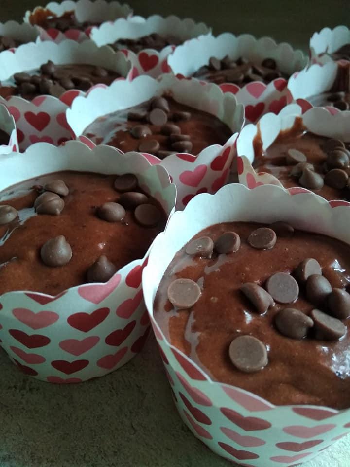 Αφράτα σοκολατένια muffins για όλη την οικογένεια!