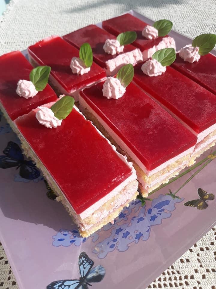 Απολαυστική τούρτα βατόμουρο που θα ξετρελάνει τους καλεσμένους σας!