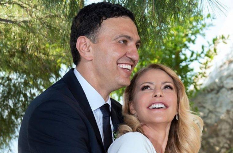 Η «φουσκωμένη» Τζένη Μπαλατσινού γιορτάζει και ο σύζυγός της της έστειλε το δώρο της! (εικόνες)